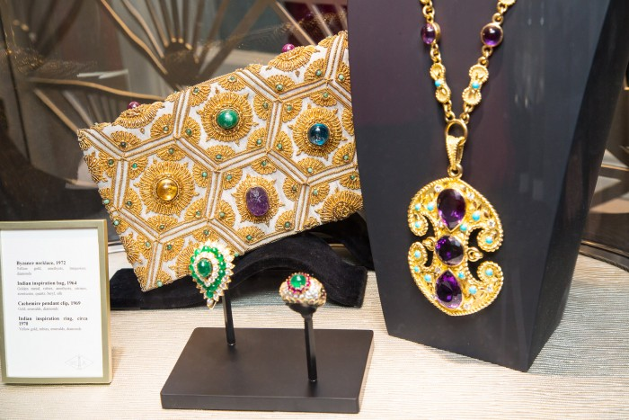 VAN CLEEF & ARPELS_GEMOLOGUE_London_9 Bond Street_Liza Urla_Jewelry Blog 12